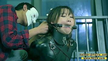 Fejira com – latex-clad actress tied and gagged